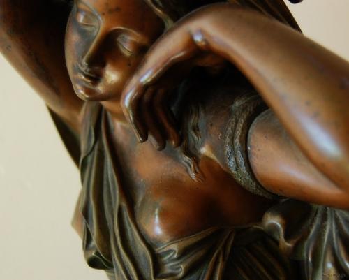 femme-reve-bronze_1352.jpg